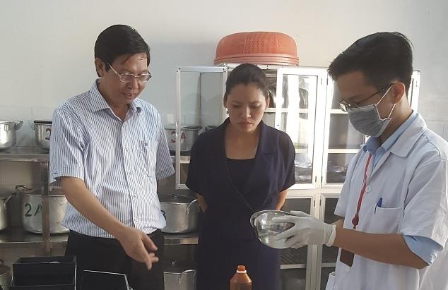 Lãnh đạo Sở Y tế Hà Nội kiểm tra ATTP tại quận Thanh Xuân
